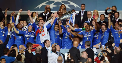Chelsea lifting european trophy